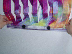 Montageanleitung 3D Befeuchter - Poster in Auffangbecken stellen